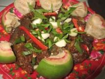 Du lịch về miền Tây: Tần ngần ăn trái bần chua
