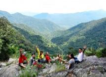 Khám phá dãy núi đẹp như tranh – núi Bạch...