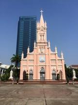 Đi tìm vẻ độc đáo của Nhà thờ Con Gà Đà Nẵng