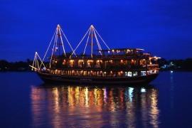 Tour Ăn Tối Trên Tàu Đông Dương (Indochina Junk)