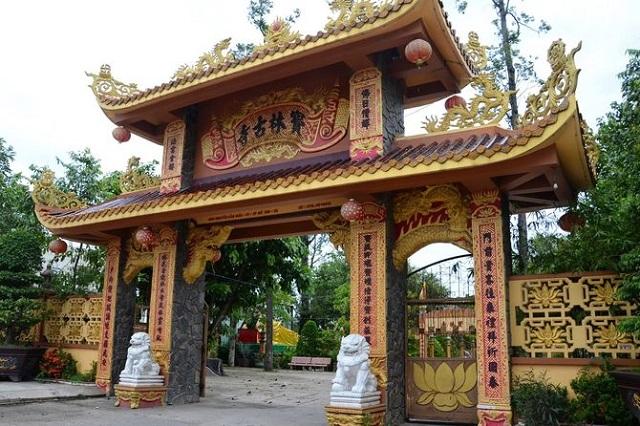 chua buu lam o tien giang