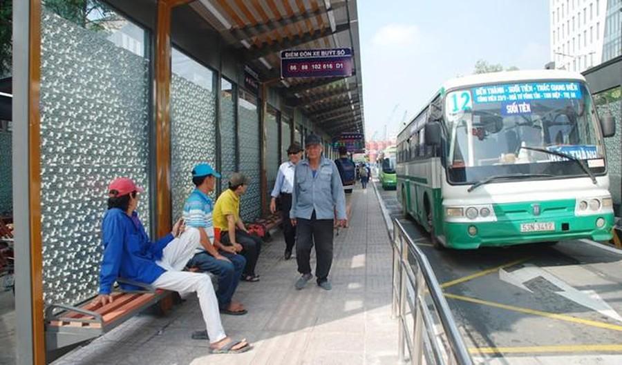 mung 1 tet xe bus co chay khong
