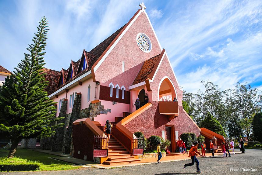 Giới thiệu về Nhà thờ Domaine De Marie ở Đà Lạt | Viet Fun Travel