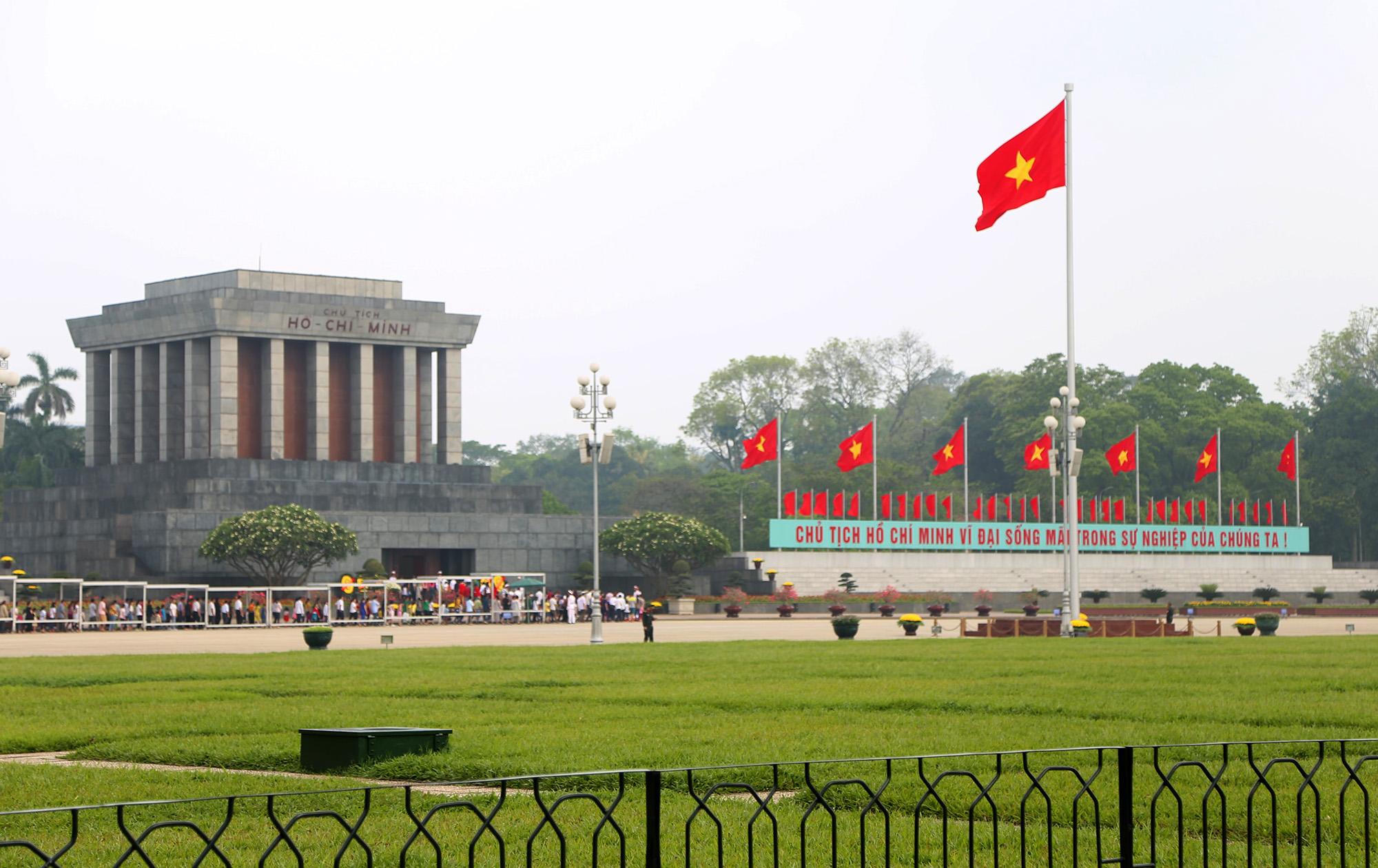 Giới thiệu đôi nét về lịch sử Quảng Trường Ba Đình ở Hà Nội | Viet ...