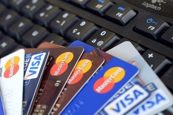 Du khách nên mang theo thẻ ATM khi đi du lịch
