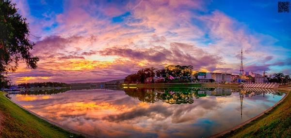 Hồ Xuân Hương dưới góc nhìn của một nhiếp ảnh gia