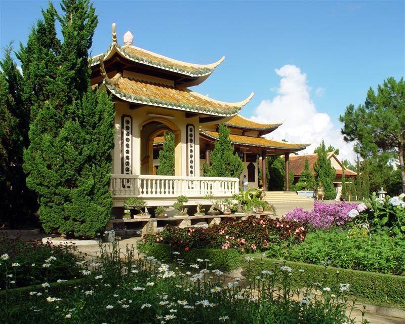 Thiền viện Trúc Lâm Đà Lạt hội tụ những nét đẹp của cõi thiên thai